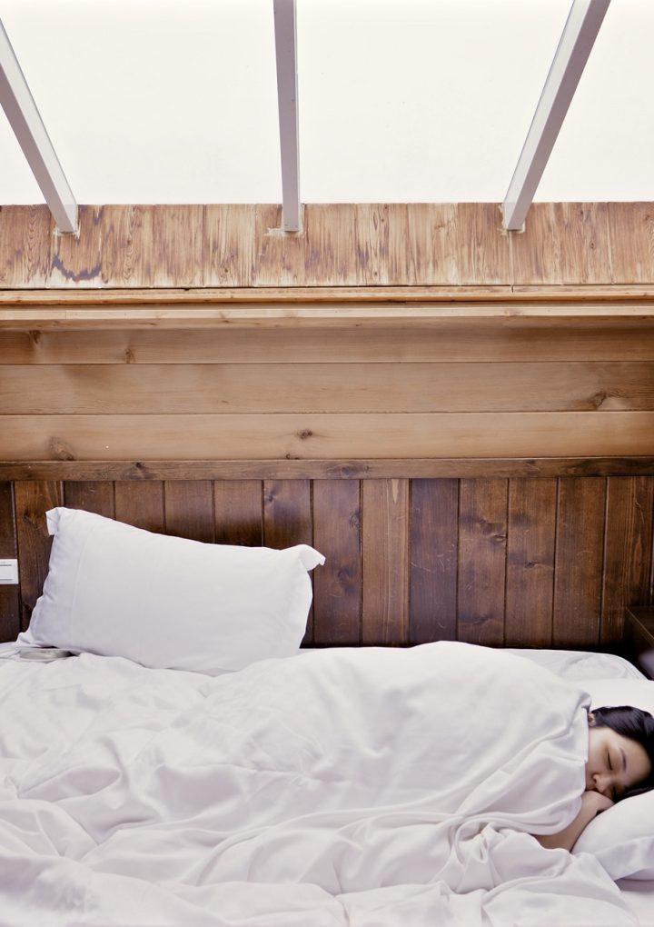 ¿Cómo perder peso mientras dormimos?